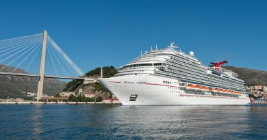 Carnival Horizon Ship