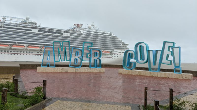 Carnival Horizon with Amber Cove Sign