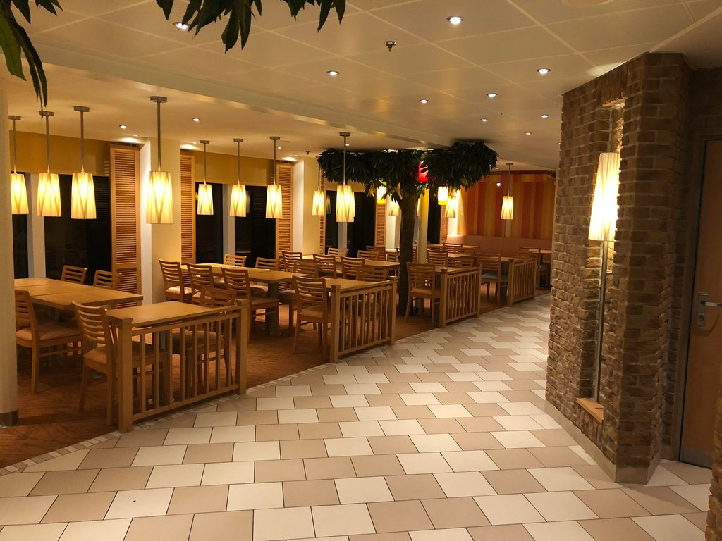 Lido Buffet with empty tables on the Carnival Horizon